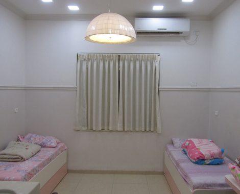 bedroom - Bayit Lepleitot